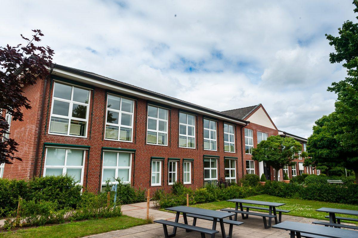 Gebäude der Privatschule Gymnasium Lüneburger Heide