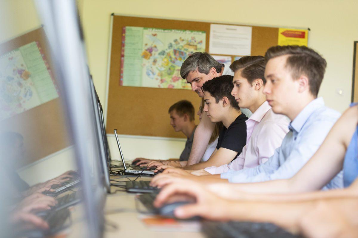 Informatik Unterricht am Gymnasium Lüneburger Heide